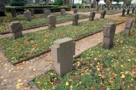 The war section of the cemetery with the WW1 victims to the left and the greater number of WW2 dead to the right, most having died in the final fight for the Harz in April 1945. Sankt Andreasberg saw a fierce engagement